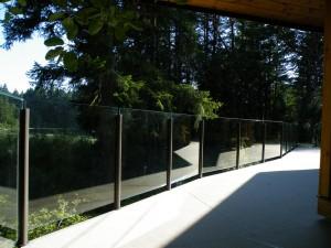 tureklai-su-stiklo-elementais-3-www.metalo-gaminiai.lt