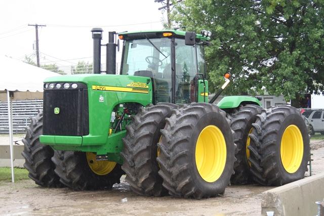 modernus traktoriai