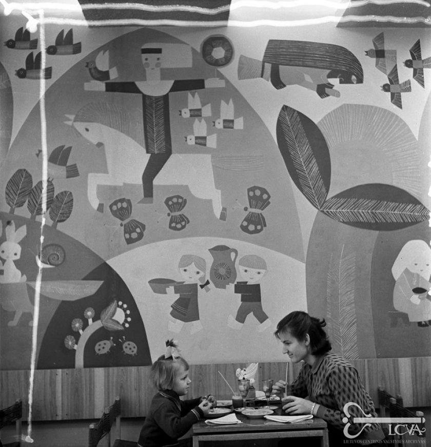 """Pirmą kartą pristatoma pilnai atkurta legendinės vaikų kavinės """"Nykštukas"""" freska ir interjero detalės"""