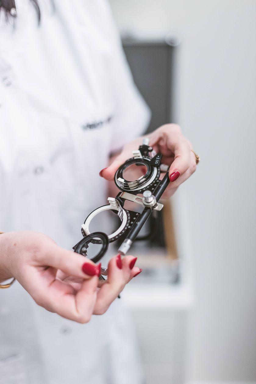 Specialistai įspėjai: netaisyklingai dirbant kompiuteriu, gresia rimtos regos ligos