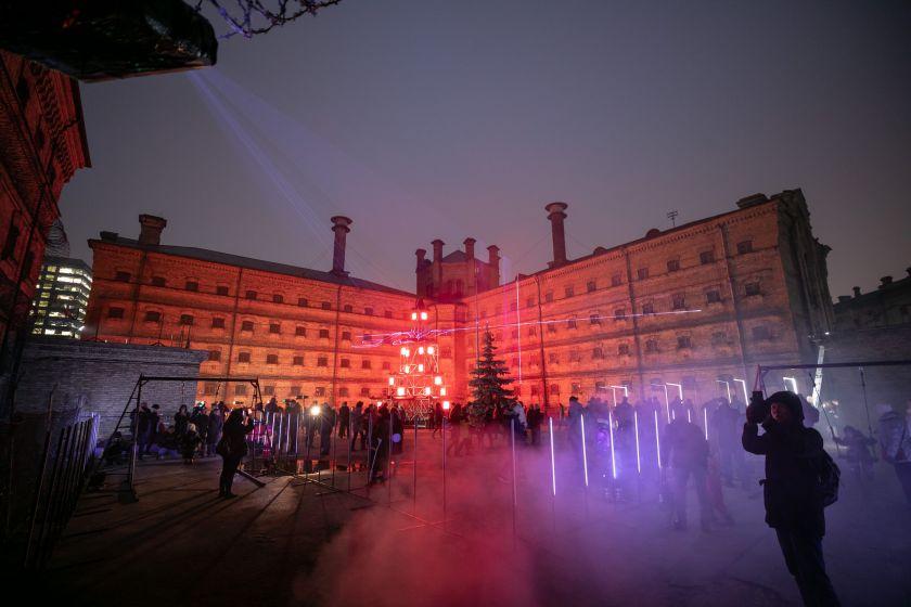 Buvusio Lukiškių kalėjimo kiemas transformavosi į alternatyvias Kalėdas