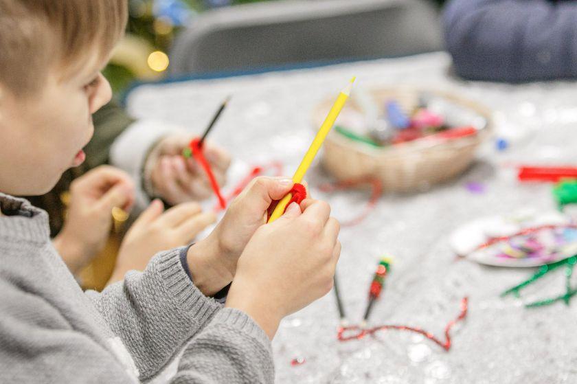 Kauno Kalėdų miestelis lankytojus stebina užsiėmimų gausa – įdomios edukacijos vyksta kasdien
