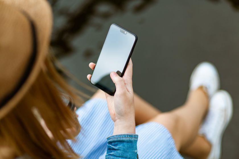 Apsipirkimas mobiliuoju telefonu: ko galime pasimokyti iš millenialsų?