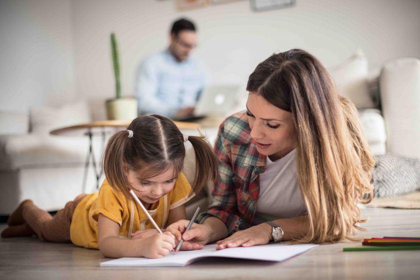 Psichologas: kaip susidoroti su karantino keliamu stresu namuose?