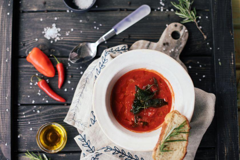 Šalta sriuba: kuo galite pakeisti šaltibarščius?