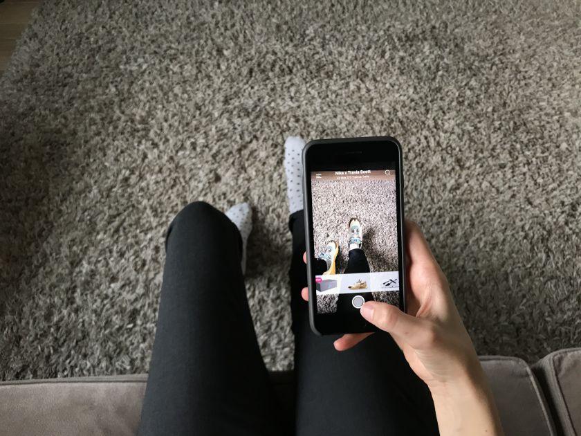 """Papildyta realybė beldžiasi į internetinę prekybą: kaip """"pasimatuoti"""" madą virtualiai?"""