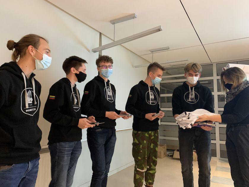 Panevėžio jaunimas kūrybinėse dirbtuvėse sprendžia švietimo, robotikos ir pramogų problemas
