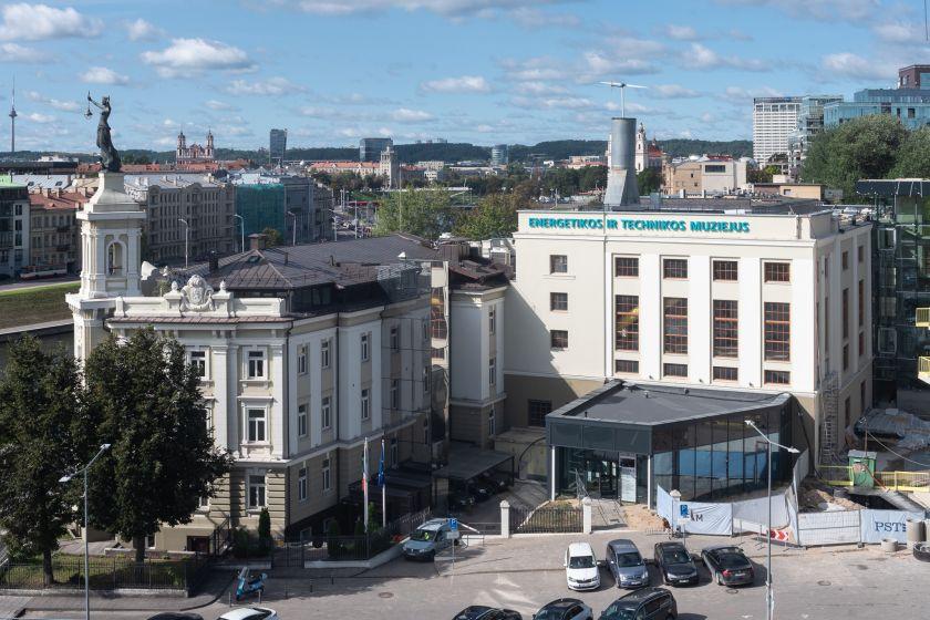 Muziejus naujam gyvenimui prikėlė viešojo transporto stotelės paviljoną
