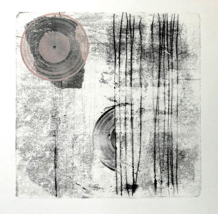 """Muzika pavirtusi vaizdais – Neringos Žukauskaitės parodoje """"Impromtu"""""""
