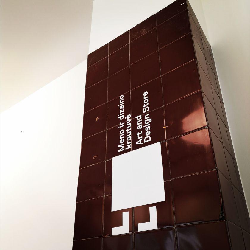 Vilniaus senamiestyje atsidaro VDA meno ir dizaino krautuvė