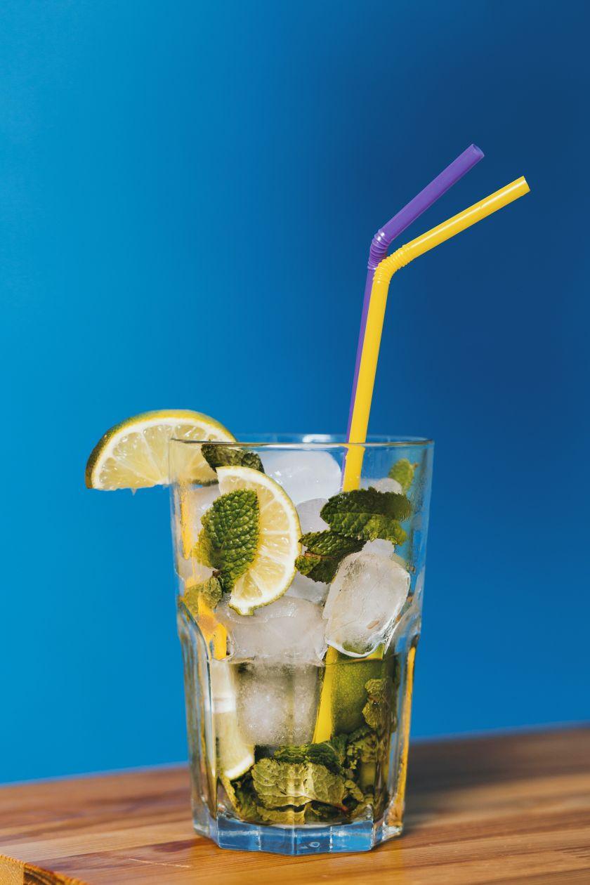 Skonių kupini 3 nealkoholiniai kokteiliai, leisiantys maloniai atsigaivinti karštą dieną