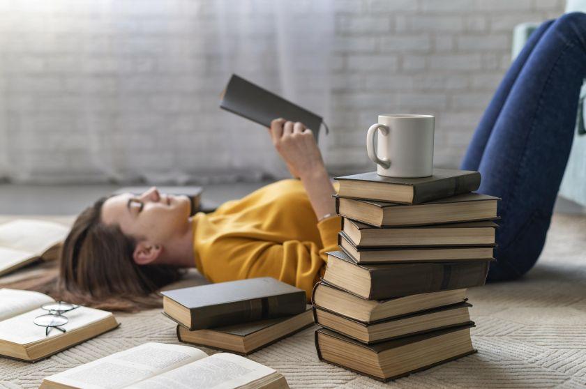 Kodėl verta skaityti knygas? Net 20 priežasčių!