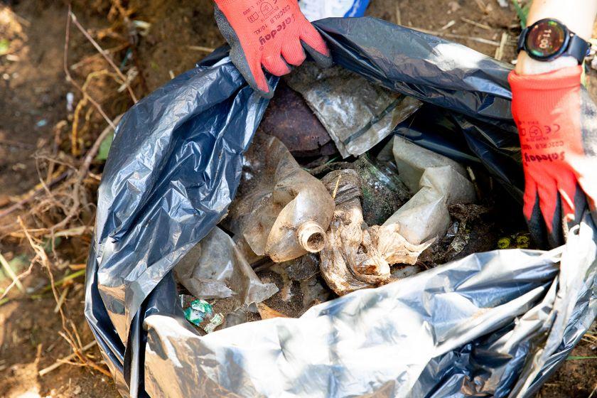 Dzūkijos nacionaliniame parke nemokamai atostogauja automobilinių atliekų sąvartynai