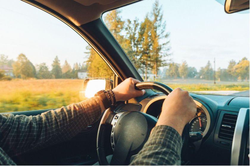Vasarą dažniau keliaujate automobiliu? Išsirinkite tinkamiausią navigacijos programėlę