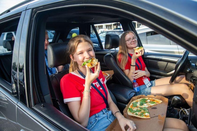 JAV Nepriklausomybės diena paminėta su autokinu, picomis ir aviacine romantika