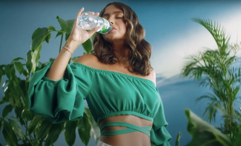 """Naujoje mineralinio vandens """"akvilė"""" reklamoje – kino, muzikos ir socialinių tinklų žvaigždės"""