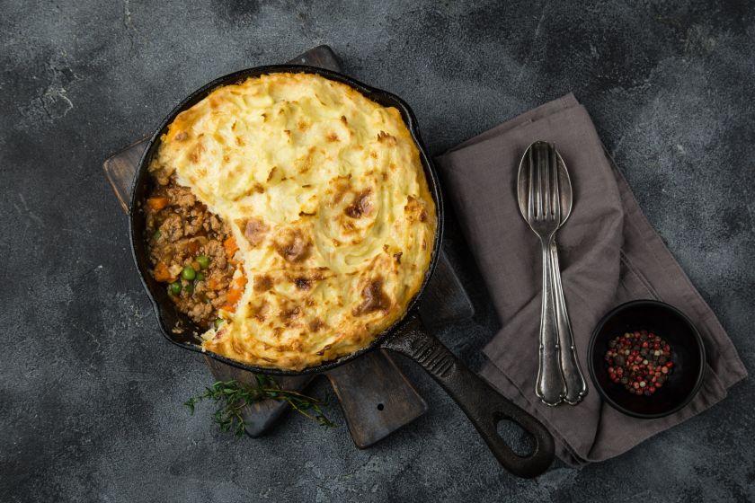 Tikras britiškas skonis: lengvai pagaminami klasikiniai pusryčių ir vakarienės receptai