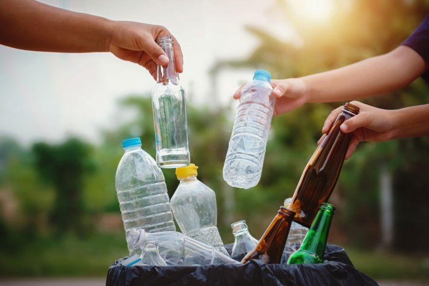 7 iš 10 gyventojų rūšiuoja atliekas, bet ar daro tai tinkamai? Rūšiavimo principai, kuriuos verta prisiminti