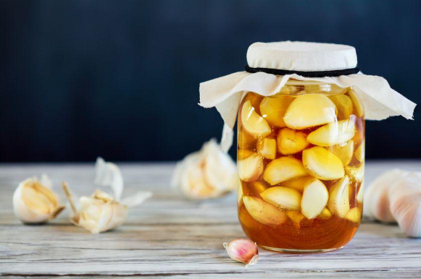 Rauginti – ne tik agurkai ir kopūstai: išbandykite gardžius vaisių ir daržovių rauginimo receptus