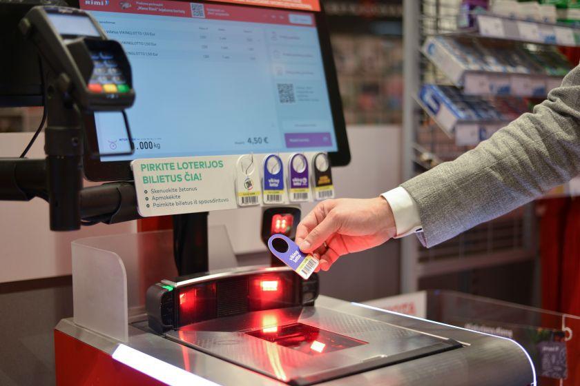 Loterijų bilietų jau galima įsigyti parduotuvių savitarnos kasose